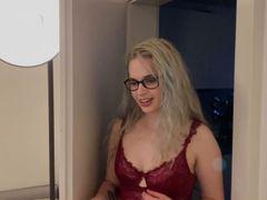Spontan im Hotel gefickt / Mein ERSTER Footjob