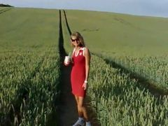 Spontaneous outdoor sex in the cornfield