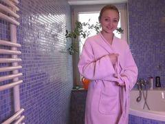Bereit für ein feuchtes Bad mit mir?