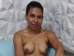 Dildo gelutscht