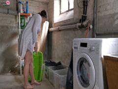 Wäsche der Nachbarin vollgepisst