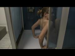 Selbst angepisst in der Dusche