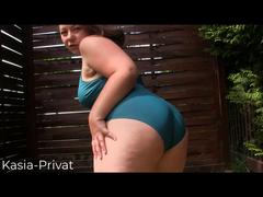 Short Clip: Im Badeanzug und nackt