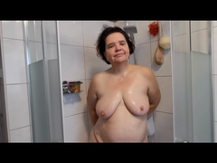 Sei mein Spanner beim Duschen