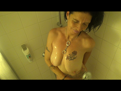 Unter der Dusche....