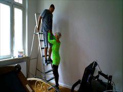 Ging das zu weit? Handwerker auf der Arbeit verführt!
