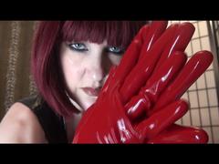 Rote Latexhandschuhe, Speichelspiele und Handjob (ohne Ton)