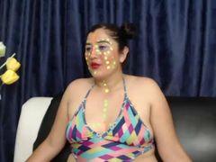 Nasse Muschi mit Dildo