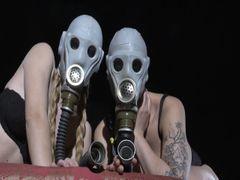 Muschischnüffeln mit Gasmasken
