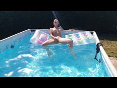 DU fickst mich im Pool!