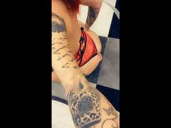 Arsch und Brüste auf meinem Teppich :D