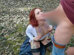 Public Spermaladung mitten im Wald