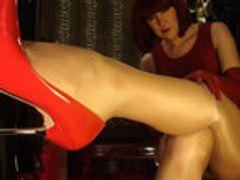 Geil auf Strapon, Heels und Nylons