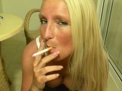 dirty bis die Wichse pumpt - Smoking Blowjob