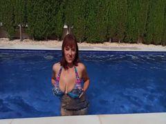 KOMM MIT MIR (zum Orgasmus) am Pool