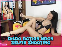 Dildo action after selfie shooting