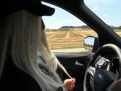 Beim Autofahren geil geworden!