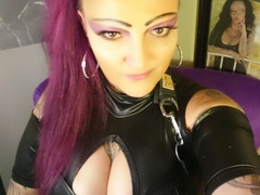 LadyNadineBauer LiveCam