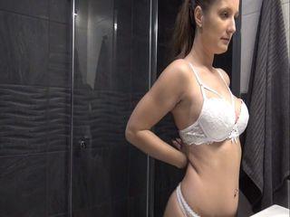 Zeit für eine geile Dusche