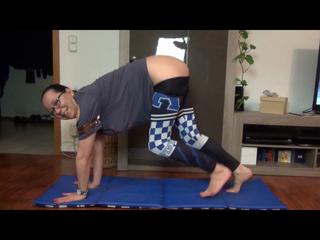 Geile Yoga Stunde - Alles in die Fickfresse