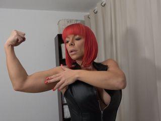 Wunschvideo: komm in meinen Schwitzkasten und spüre meine Muskeln!