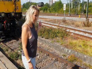 Auf dem Bahnhof gepisst und 2 weitere geile Szenen
