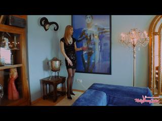 Ein Traum - elegante Kuratorin in fremder Galeriewohnung weggefickt!!!