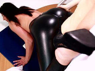 Slinky style Leggings - Facesitting