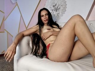 LucianaHorny