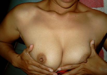 Nackt - bin total geil und nass