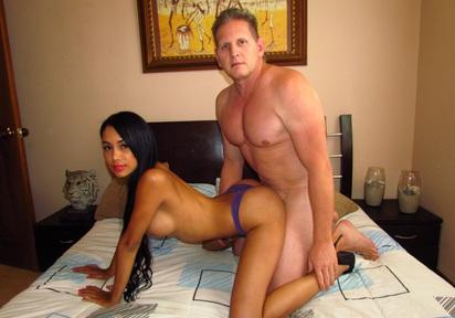 Sexcam von CoyoteSexy + CarlosBangs
