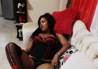 Sexcam von LilanaLove komm und besuche sie live im Sexcam Chat