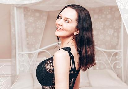 Sexcam von ReifeAnabella