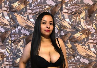 Sexcam von LarissaFoxx komm und besuche sie live im Sexcam Chat
