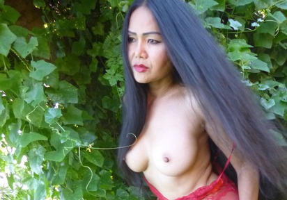 Wanna: Hi guys, I am the Asia sexual angel WANNA and I love sweet spoiled games in bed ! A man who wants to please me should be honest, romantic and imaginat...