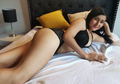 Sexcam von LovelyKiara komm und besuche sie live im Sexcam Chat