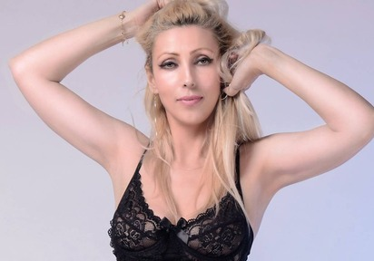 live Sexcam Chat mit Squirty