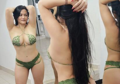 Sexcam von HellenSquirt komm und besuche sie live im Sexcam Chat