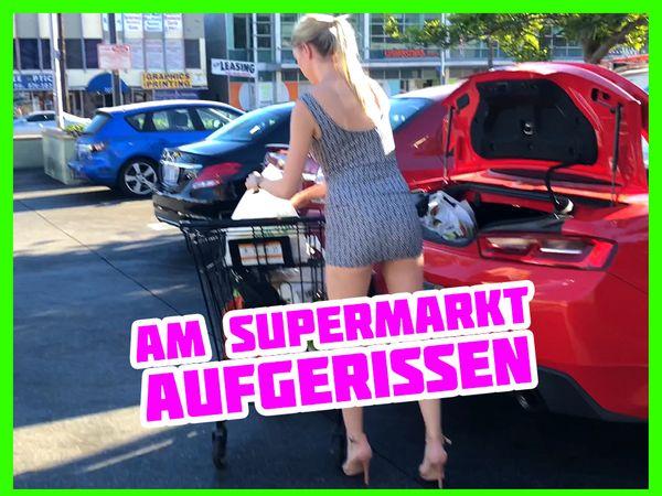 Anny Aurora vorm Supermarkt ohne Höschen erwischt und gefickt!