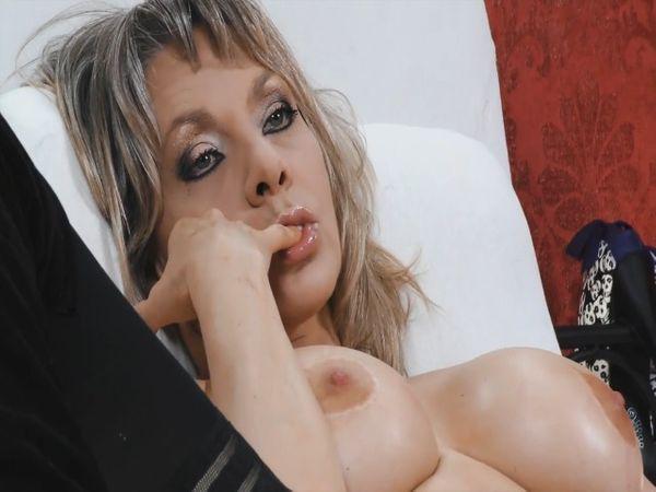 Wunschvideo: Pussy satt!