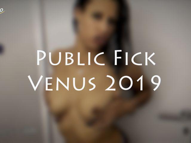 Public fuck on Venus