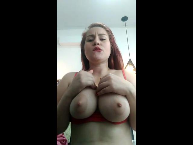 Milch in meinen Titten