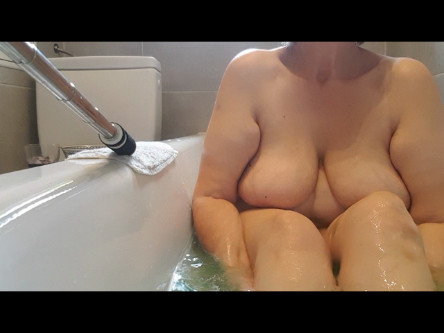 Relaxed in der Badewanne