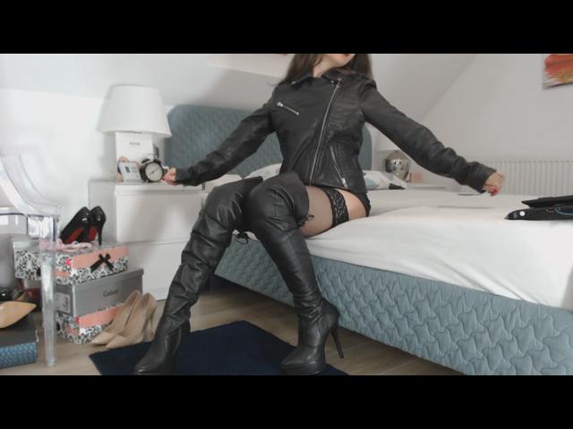 Lederjacke und Stiefel Fetisch