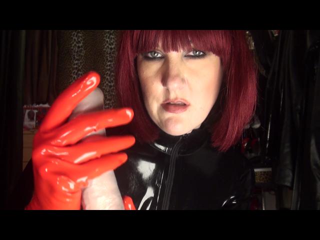Handjob mit roten Latexhandschuhen