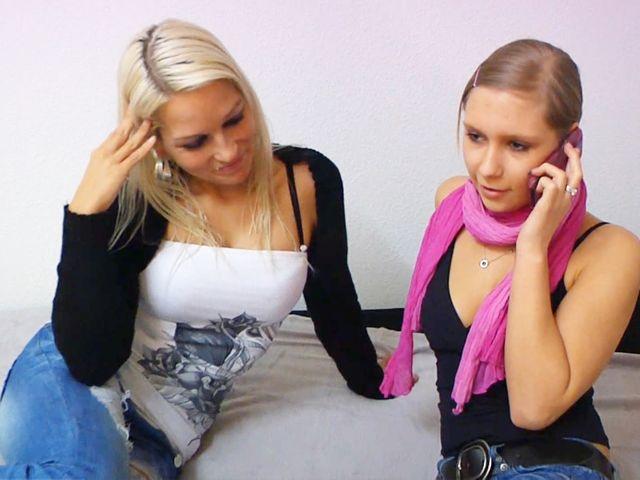 Teeniesex Entjungferung : Ihr erster Dreier