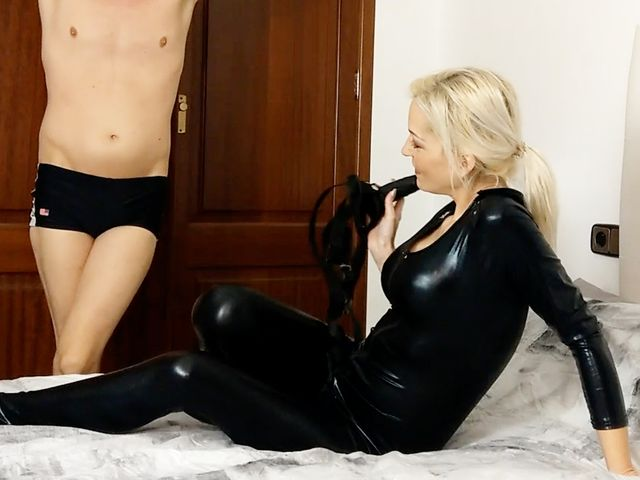 Privates SEX-EXPERIMENT ! Erst SEIN Arsch und dann MEINER !!!