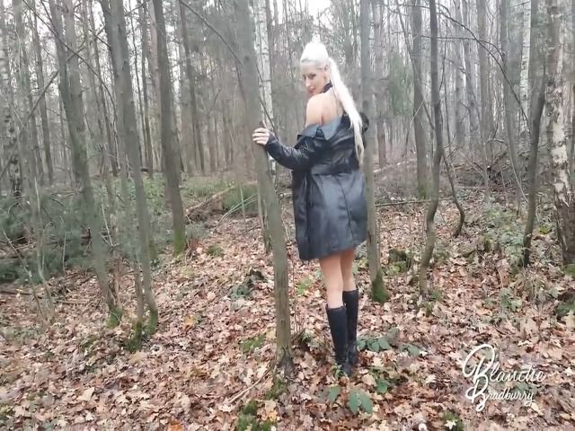 Blanche: Striptease in forest