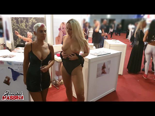 Public Live Show mitten auf der Venus Erotik Messe