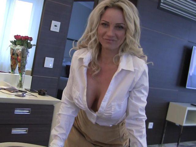 Neuer Boss fick mich zum Orgasmus!